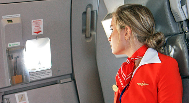 avion-stjuardesa-pocetna