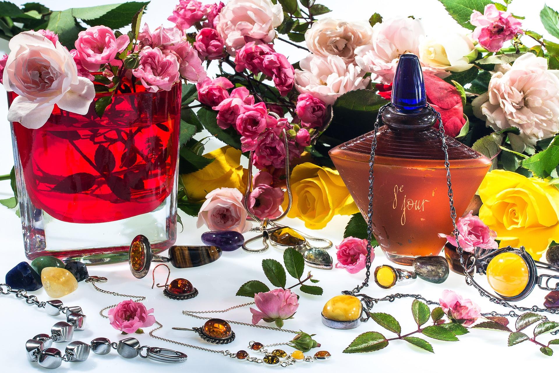 still-life-perfumes
