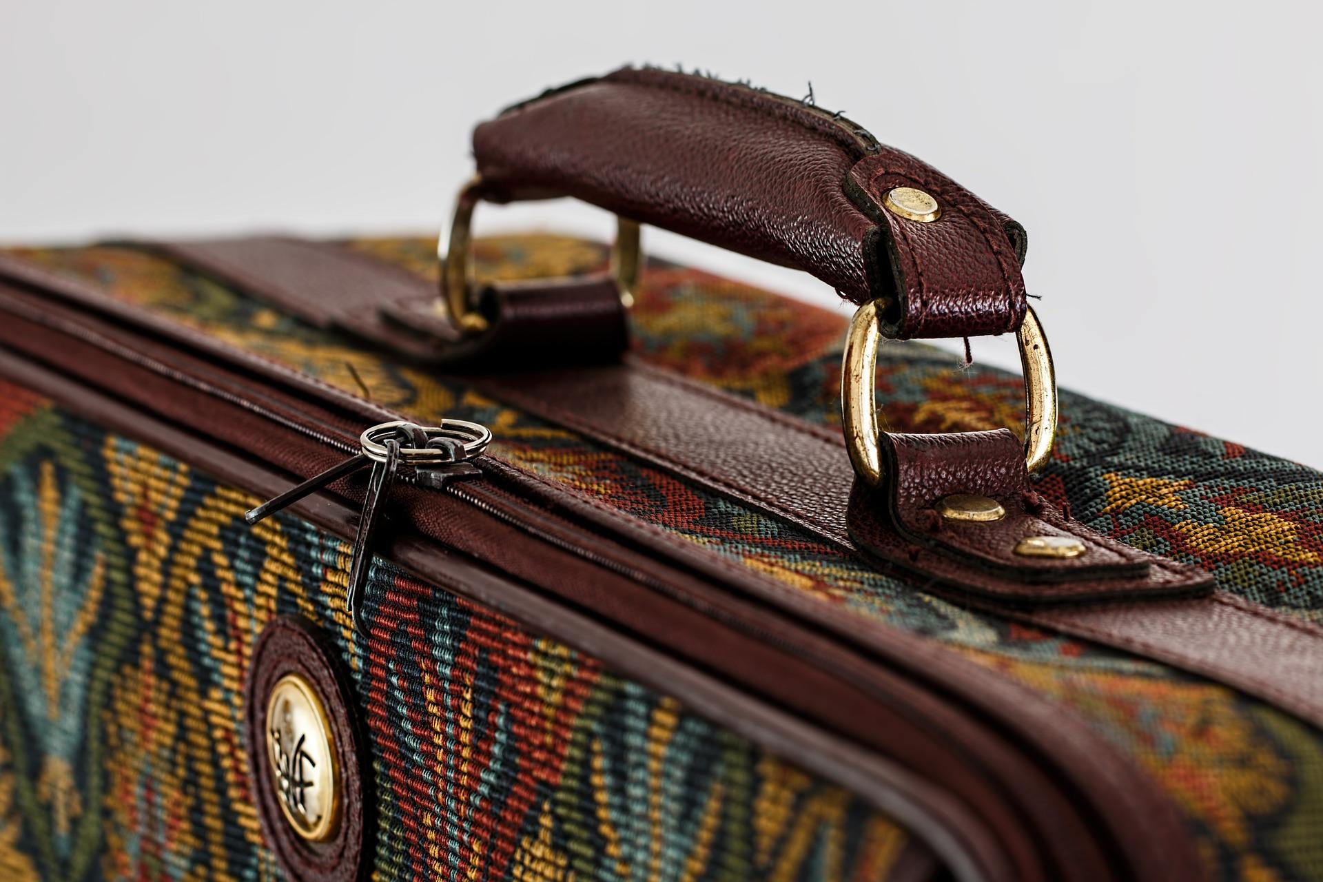 suitcase-kofer-pocetna